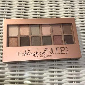 Blushed Nudes Maybelline Eyeshadow Palette